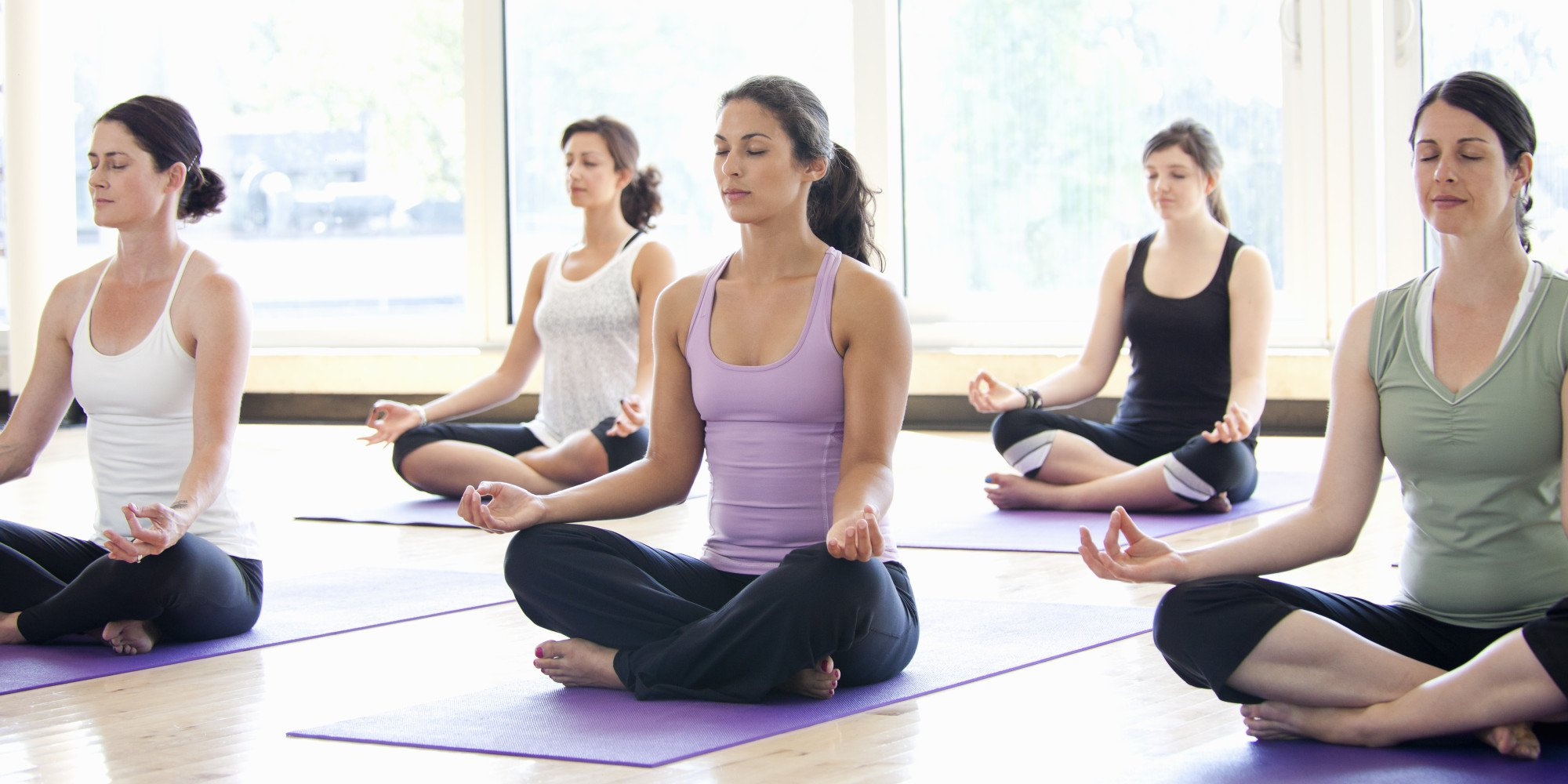 Tarot yoga-en-grupo Los códigos sagrados de Agesta Tarot