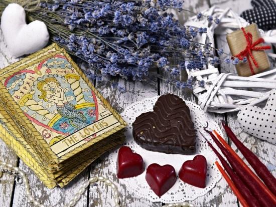 Tarot Tarot-del-amor ¿Qué nos dice el Tarot sobre el amor? amor arcanos mayores Tarot Tarot del amor